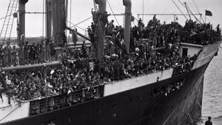 thumbnail-25th20may20193720420020basque20children20arrive20at20southampton20aboard20the20liner20habana1-400x304